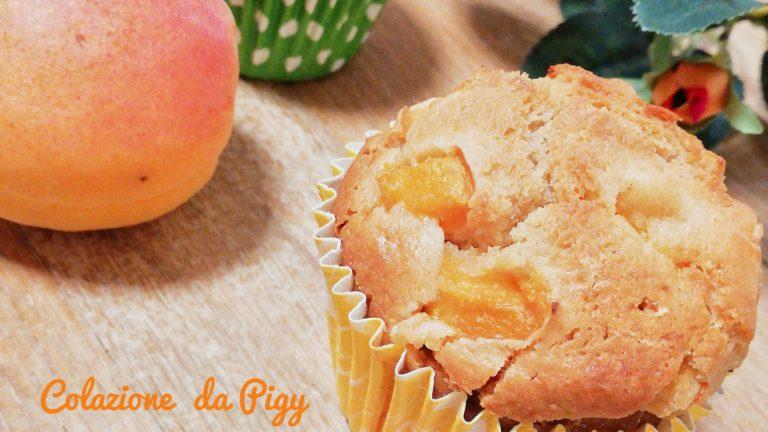 Colazione con…Muffin con miele nocciolato ed albicocche